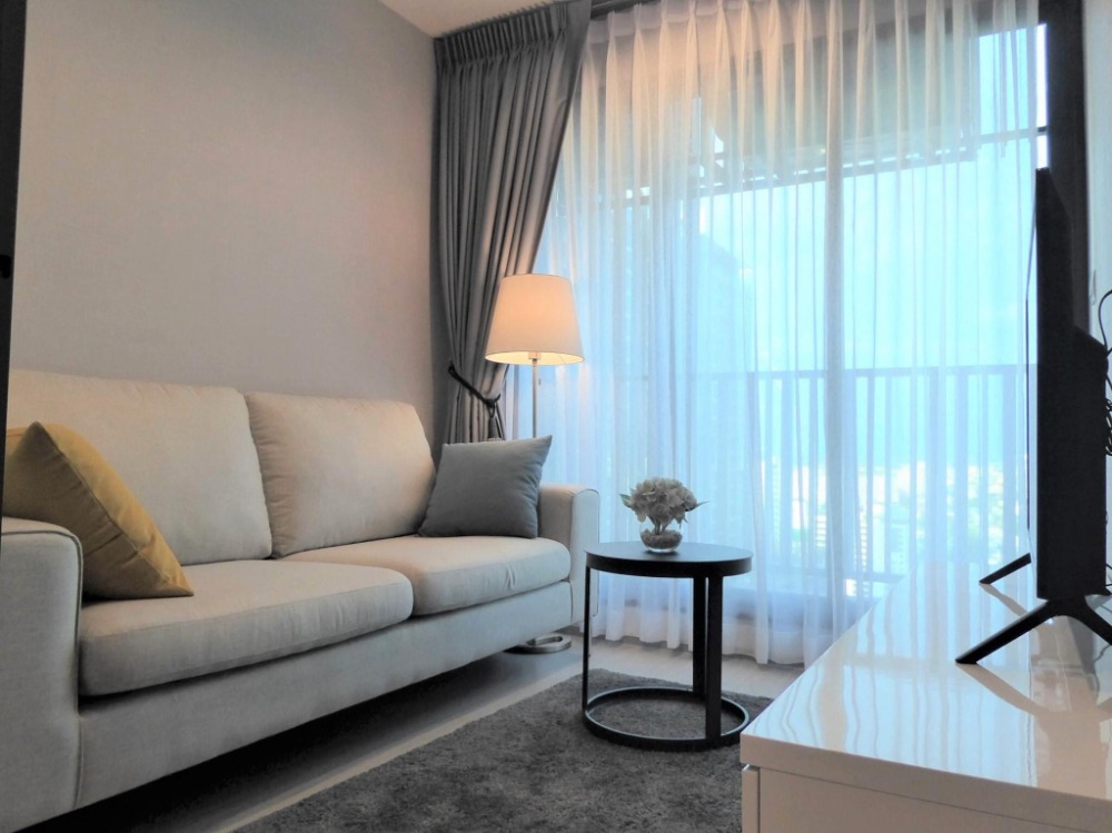 For RentCondoLadprao, Central Ladprao : +++ Urgent rent +++ Beautiful room ++ Life Ladprao ** 1 bedroom 36 sq m, fully furnished, ready to move in