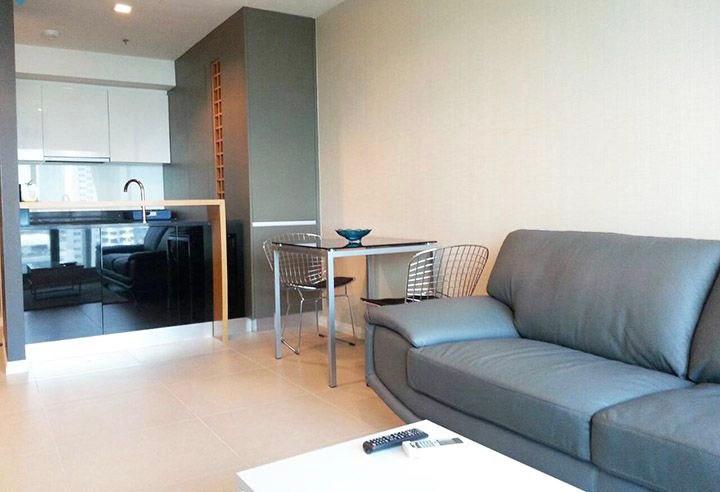 ขายคอนโดวงเวียนใหญ่ เจริญนคร : +++ขายด่วน +++ ห้องหรูวิวโซนโรงแรม  The River 1 ห้องนอน ขนาด 52 ตร.ม. ชั้นสูง