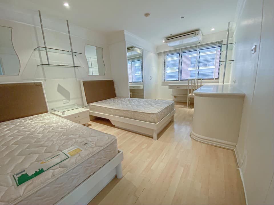 For RentCondoWitthayu,Ploenchit  ,Langsuan : C1[544]RENT The Royal Place 2