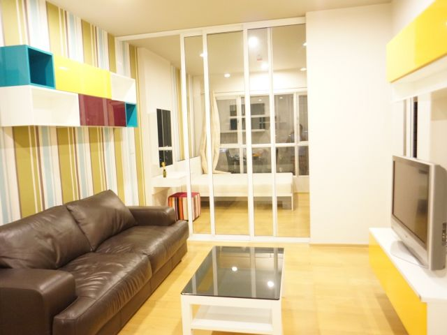 For RentCondoWongwianyai, Charoennakor : Condo for rent  Hive Sathorn  fully furnished (Confirm again when visit). Size 41 SQM.  1 bed1 bath.