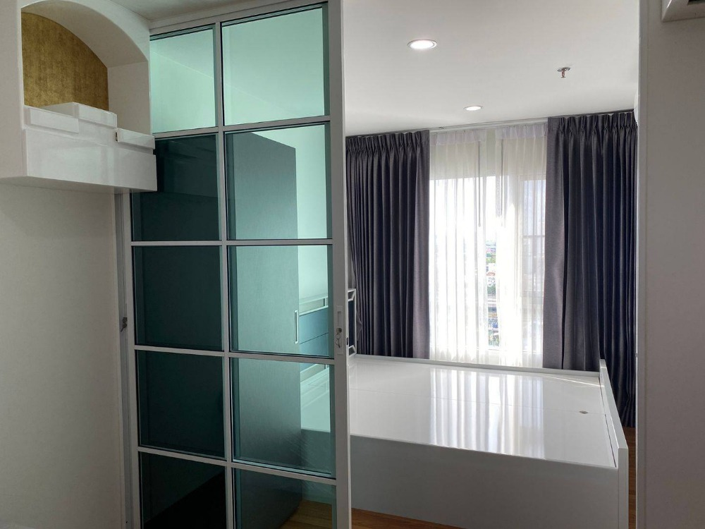 For SaleCondoBang Sue, Wong Sawang : Condo for sale: Regent Home 27, size 28 sqm. Building D, 16th floor, price 1.59 million, next to MRT Bang-hidden, new room, well decorated.