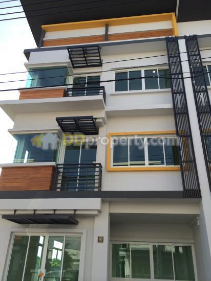 For RentTownhouseLadkrabang, Suwannaphum Airport : Rent 22,000 Baht per month , The Trop Ladkrabang ,Ladkrabang road