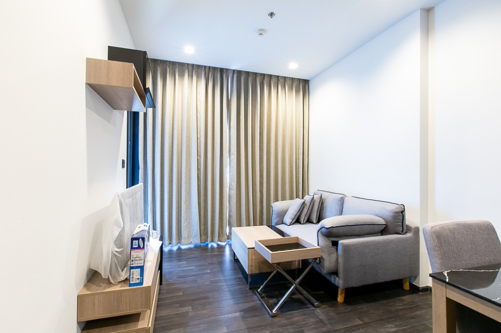 For RentCondoRama9, RCA, Petchaburi : New design project, 1 bedroom size, affordable price, complete facilities, convenient transportation, CD190655