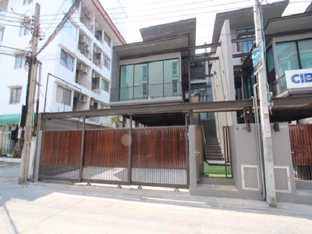 For RentTownhouseRamkhamhaeng, Hua Mak : Townhome for rent, Home Office 4 floors, The Pentas Ratchada-Rama 9 project, large house, 510 square meters area, The Pentas Ratchada-Rama 9, suitable as a company registered office.