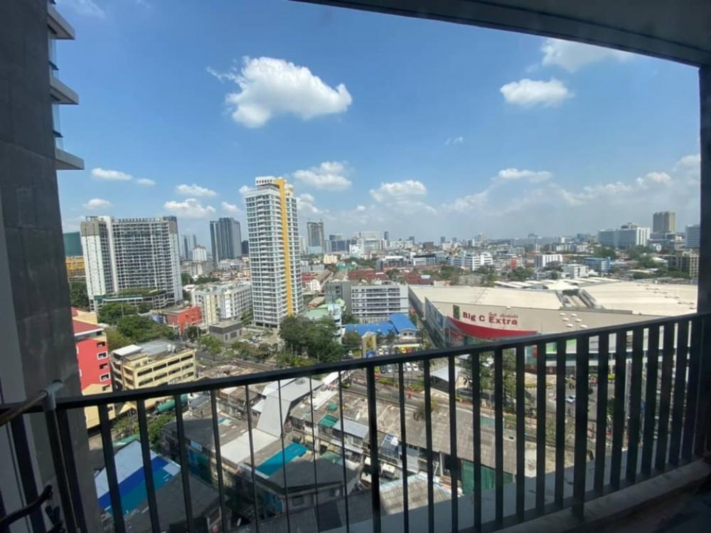 For SaleCondoLadprao, Central Ladprao : Urgent sale The issara Ladprao 2.99 million, reduced from 3.3 million, total transferred 35 sq m, 12th floor, Studio interested in viewing the project, contact the building, call the building 099-4956985, ID 099-4956985