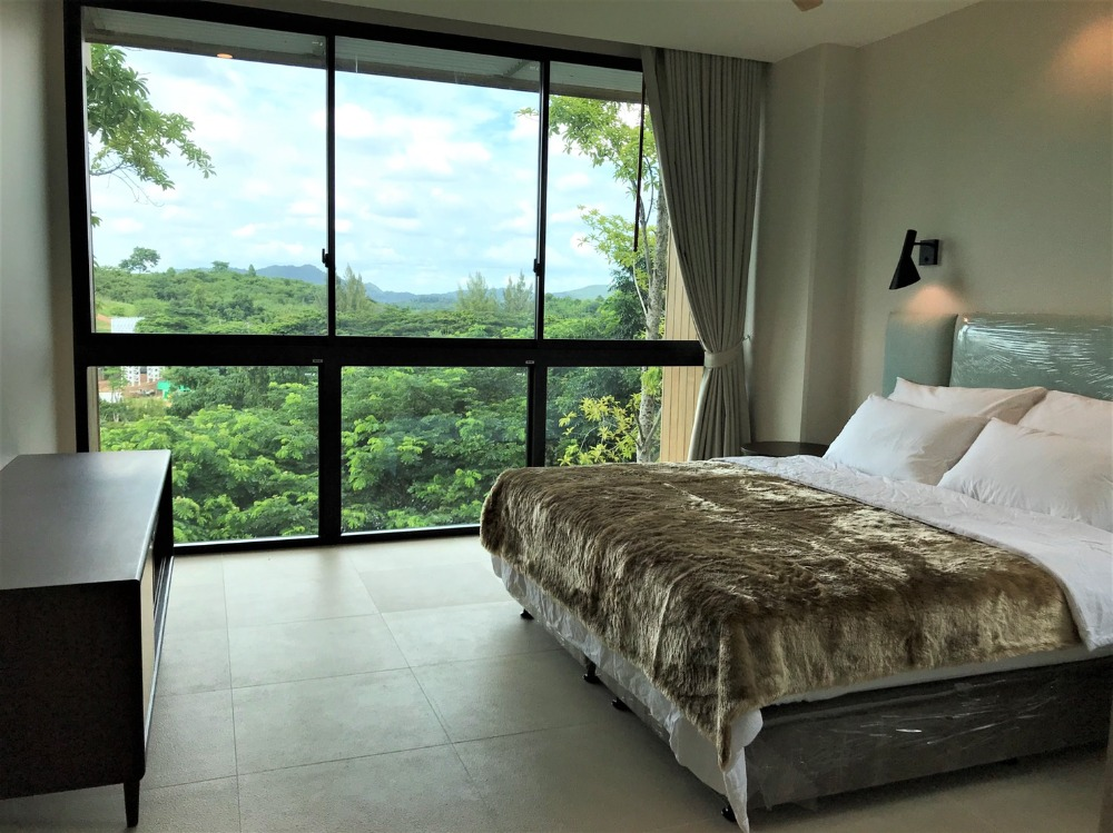 For SaleCondoKorat KhaoYai : The best of condos in Khao Yai Swan Lake Khao Yai 93 sq m, 2 bedrooms, 2 bathrooms, central condo in the middle of Khao Yai lake, first-hand room, the best price.