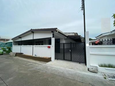 For RentHouseLadprao 48, Chokchai 4, Ladprao 71 : Single house for rent Fully renovated, Soi Chokchai 4, Ladprao 53