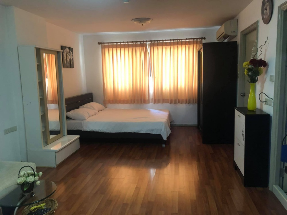 For SaleCondoOnnut, Udomsuk : Condo for sale Lumpini Center Sukhumvit 77, fully furnished. Beautifully decorated, ready to move in !!