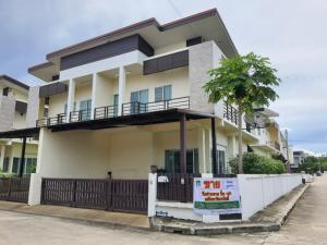 For SaleHouseChiang Mai : house for sale escape the chaos close to nature but only 10 minutes into town Price for starting a perfect married life, behind the corner, cheapest, Boonfah Grand Home 2, Chiang Mai, contact Khun Mew 0986168829