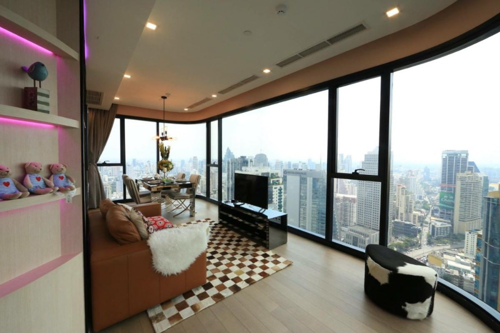 For SaleCondoSukhumvit, Asoke, Thonglor : Condo for sale Ashton Asoke Super Rare Item !! There is only one room in the building, 3 bedrooms, 3 bathrooms, 98 sqm., 42th floor, Fully Furnished.