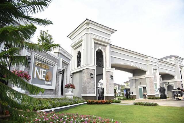 For RentHouseThaphra, Wutthakat : 2 storey house for rent, Golden Neo Sathorn, corner house, near BTS Wutthakat, Kalapapruek Road, ready to move in 20-10-63.