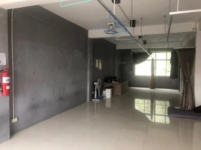 For RentShophouseRama 8, Samsen, Ratchawat : 2 commercial buildings for rent in Pinklao area On Arun Amarin Road Near Rama 8 Bridge