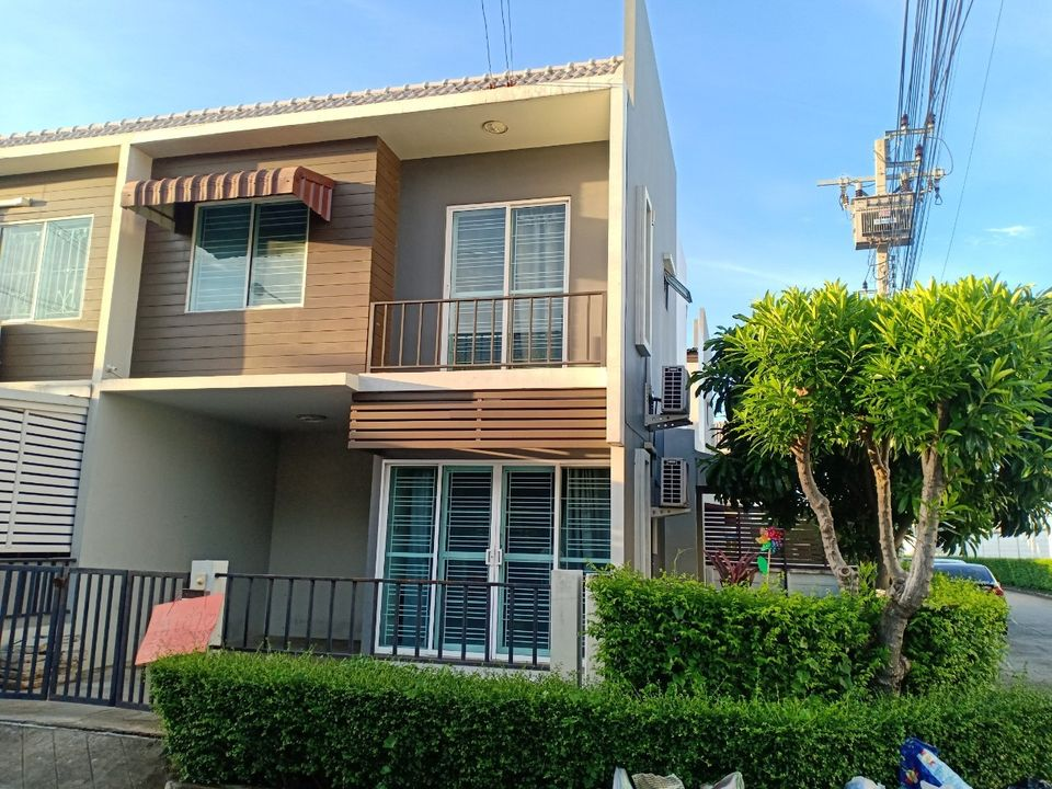 For RentTownhouseBangna, Lasalle, Bearing : Townhome for rent at The Colour Bangna km. 10