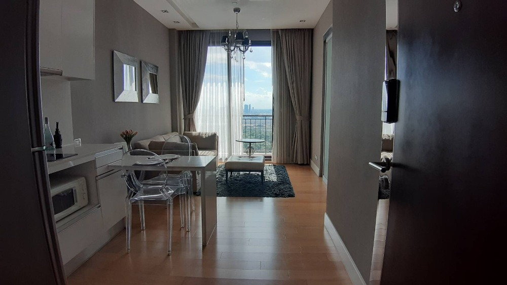 For RentCondoLadprao, Central Ladprao : Quick rental, loss, Cowit 19, Equity Condo, Phahon-Vipha, good location, Ladprao intersection, near the train, 20,000 baht