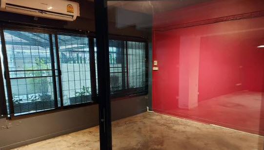 For RentTownhouseSukhumvit, Asoke, Thonglor : 2-storey townhouse for rent, Ekkamai 12 (Soi Pridi Banomyong 31) *** Suitable for office and residence.