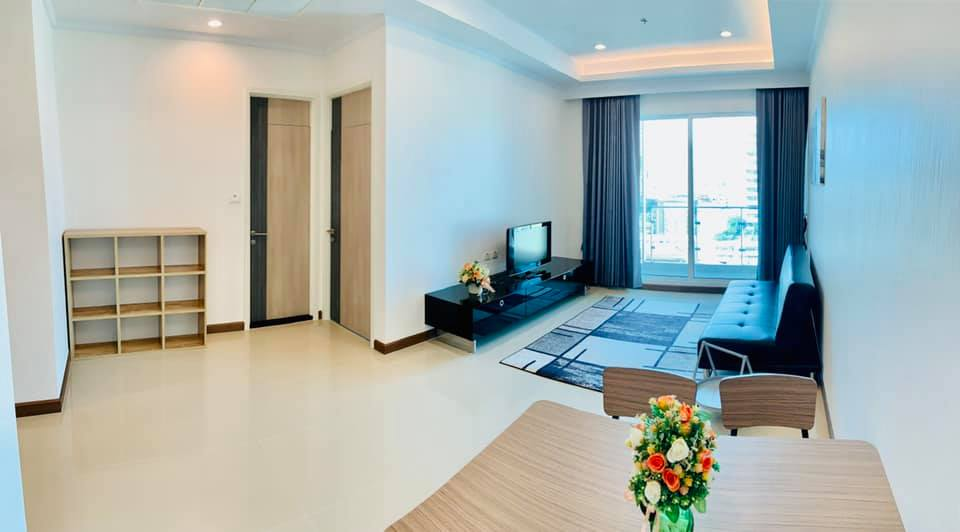 For RentCondoRatchathewi,Phayathai : For rent, Supalai Elite Phayathai, 1 bedroom, 1 bathroom, 61 sq m, large room, full usable space. The owner will reduce the price only during the COVID call 095-547-7160.