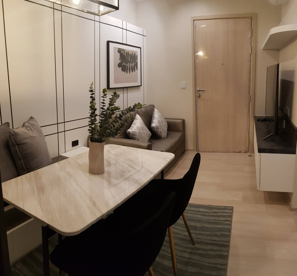For RentCondoWitthayu,Ploenchit  ,Langsuan : For Rent New and Classy room At Life One Wireless Contact 0645414424