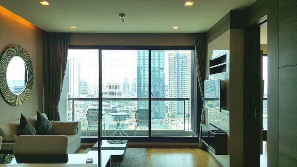 For RentCondoSathorn, Narathiwat : Condo for rent, The Address Sathorn, 1 bedroom, 56 sqm., Near BTS Chong Nonsi and Surasak, lovely room, good space allocation, located in Sathorn area, very convenient to travel. Not far from shopping
