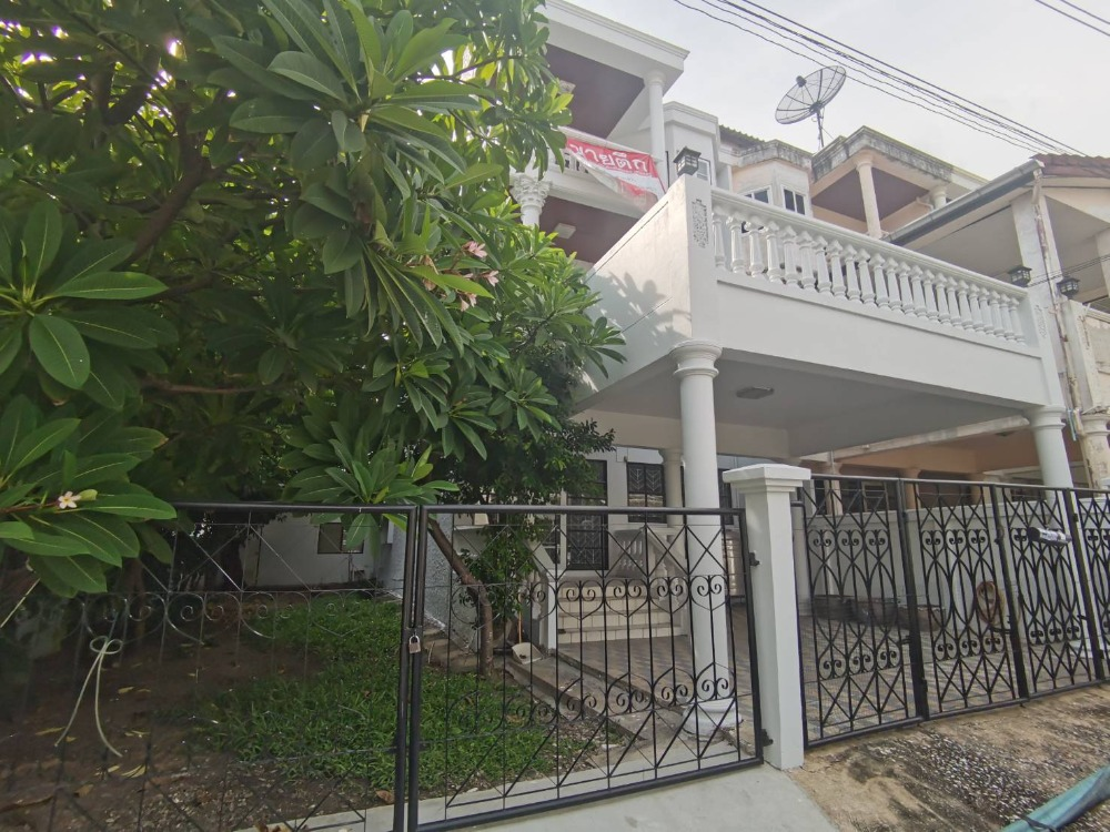 For SaleTownhouseRamkhamhaeng, Hua Mak : Urgent sale, Townhouse, Soi Ramkhamhaeng 36/1.