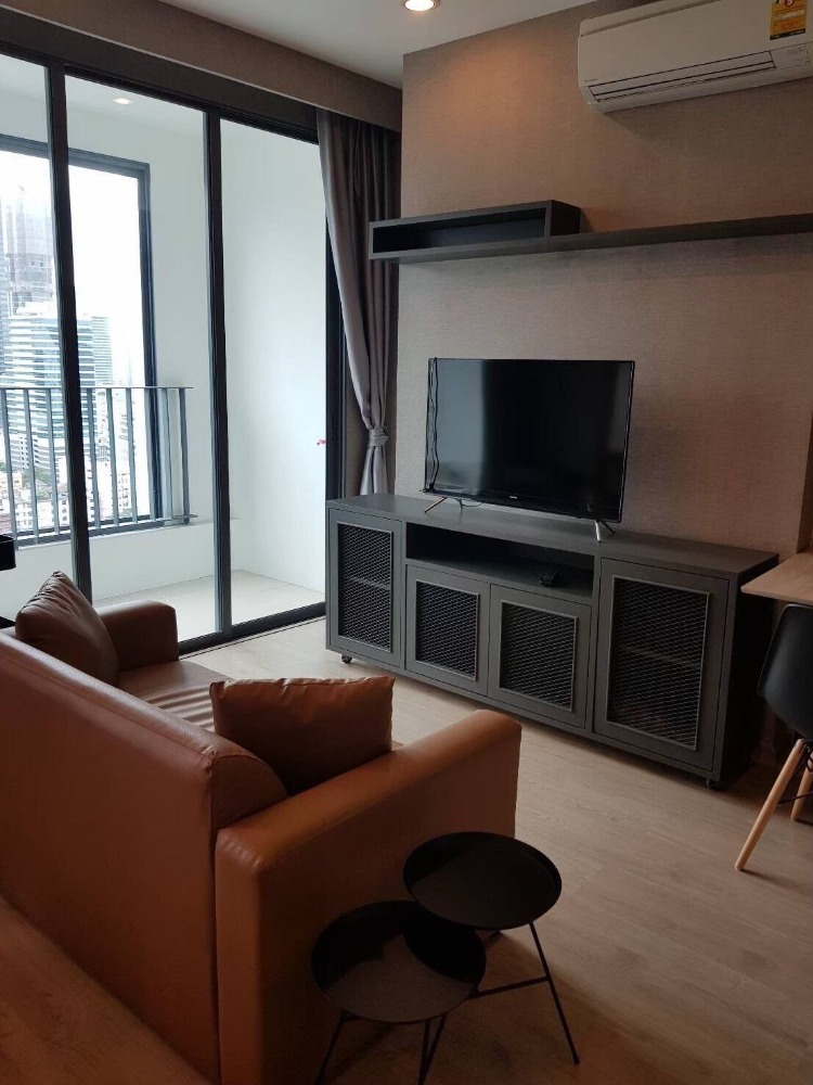 For RentCondoSiam Paragon ,Chulalongkorn,Samyan : Condo for rent, Ideo Q Chula-Samyan, 33 sq m, 22nd floor, 1 bedroom, 19,000 baht for rent. With furniture, complete electrical appliances, please contact Khun Bui 099-4956985 Line ID 099-4956985
