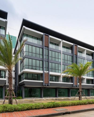 For RentHome OfficeSiam Paragon ,Chulalongkorn,Samyan : ** ให้เช่า ** ออฟฟิต 5 ชั้น มีลิฟท์ส่วนตัว ติดถ.พระราม 4 อาคารใหม่ พร้อมอยู่ !!  - พื้นที่ใช่สอย 340 ตรม. - มีที่จอดรถหน้าอาคาร 2 คัน
