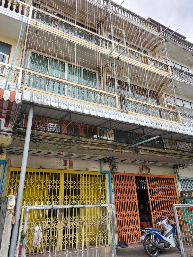 For SaleShophouseDaokanong,Bang Bon : Commercial building for sale - 3.5-storey commercial building, 2 booths, total 50 square wa (hit through together into one room) * within the renovation ready.