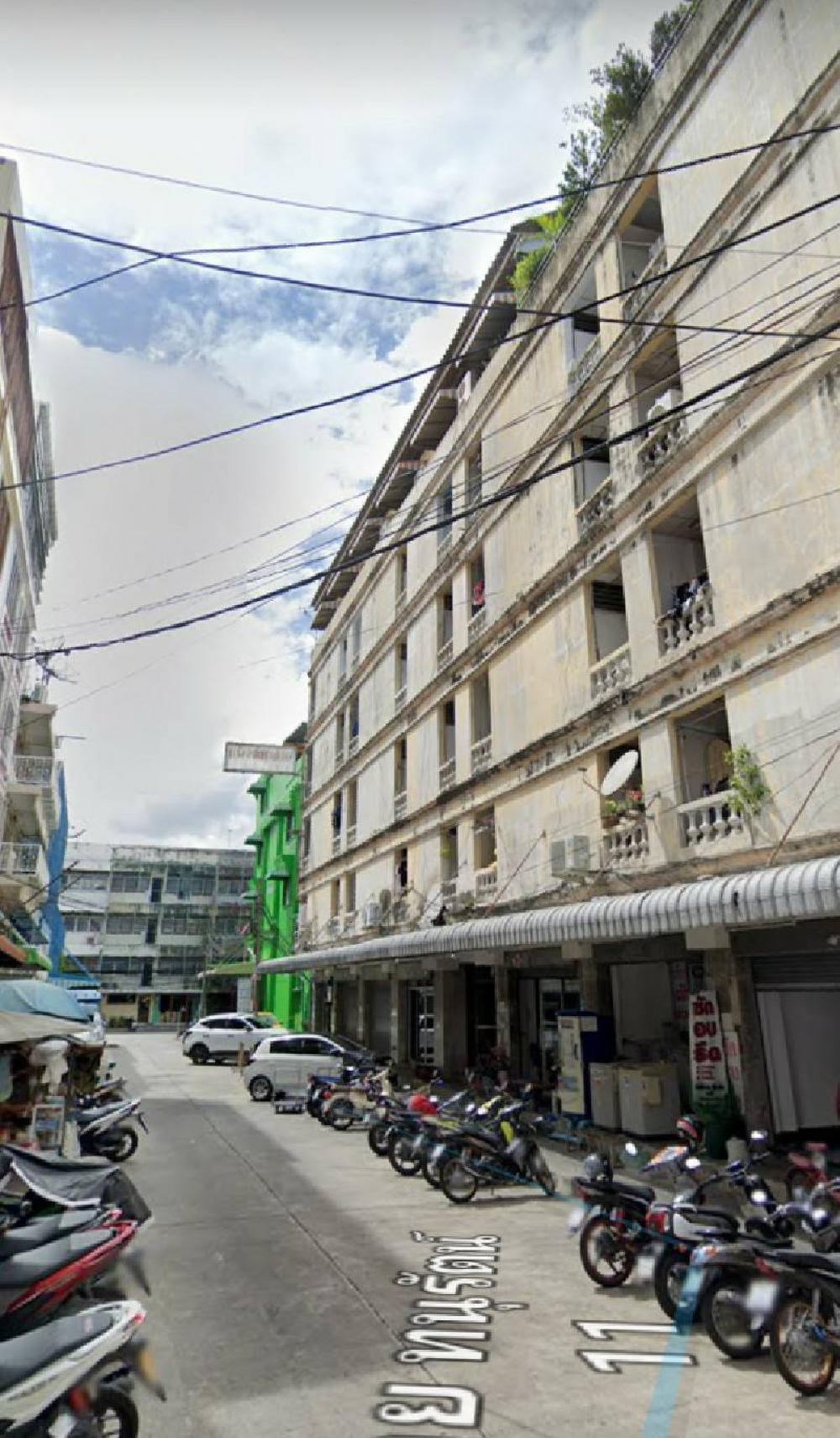 For SaleBusinesses for saleSilom, Saladaeng, Bangrak : Apartment for sale with business, Soi Chan 16, Sathorn District, area 159 sq. wa, 6-storey building.