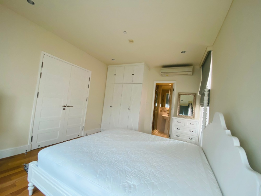 For RentCondoSukhumvit, Asoke, Thonglor : For rent Aguston 1 bedroom 1 bathroom 51 sq m, special room type, get extra balcony Like having a private garden, call 095-547-7160