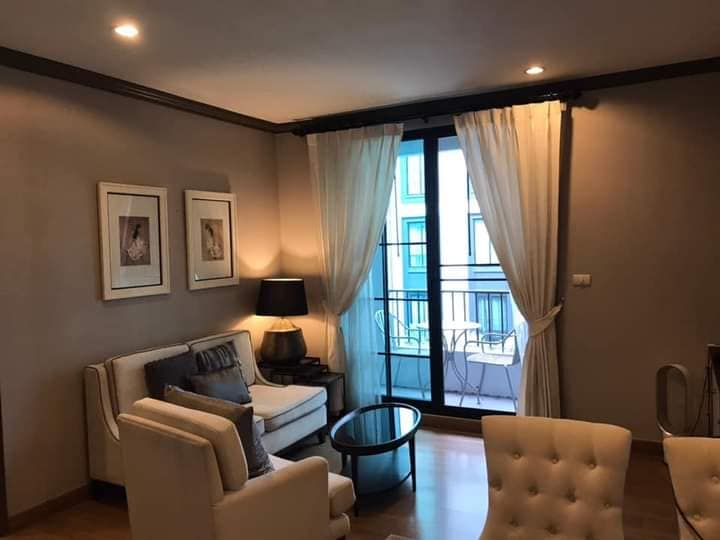 For RentCondoSiam Paragon ,Chulalongkorn,Samyan : For rent The Reserve 2 bedrooms pool and garden view near BTS Stadium