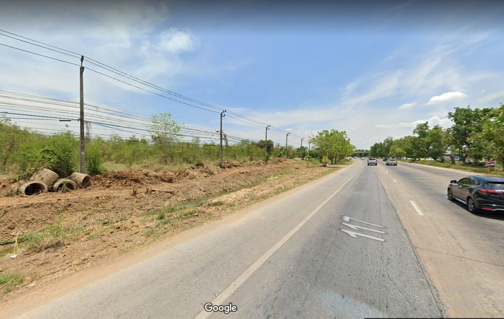 For SaleLandPhitsanulok : Land reclamation along the road, suitable for gas station. Phitsanulok-Nakhon Sawan Bypass Line 130 meters on the road near the new government office, contact lineID: knbiz