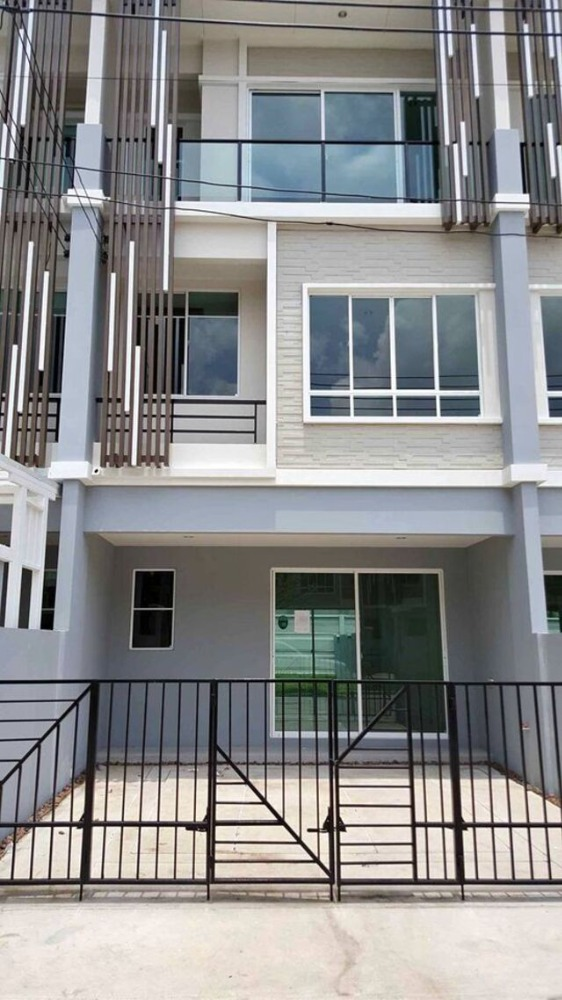 For RentTownhouseChengwatana, Muangthong : HR537 3-storey townhome for rent, The Plant City Chaengwattana project, located in Muang Thong Thani. Suitable as an office