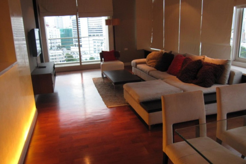 For RentCondoSukhumvit, Asoke, Thonglor : Condo for rent, Siri Residence, 3 bedrooms, 142 sqm., Near BTS Phrom Phong, beautiful room, very spacious, shady, good atmosphere, very convenient to travel in and out