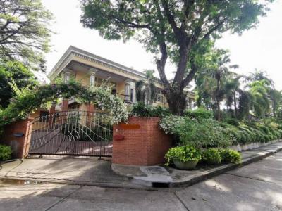For SaleHousePattanakan, Srinakarin : House in Pattanakarn 398 sq.wah 4bed 3bath 80,000,000 Call/Line: Am 0656199198 Whatsapp/Wechat: 0849429988