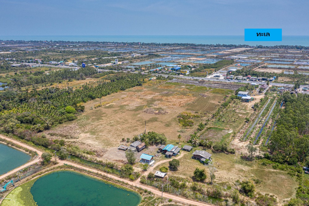 For SaleLandSongkhla : Land for sale 32 rai 3 ngan 48 square meters near the sea, next to Songkhla main road, selling price is lower than the estimated price.