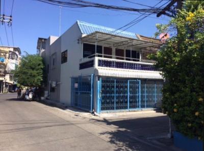 For RentTownhouseRatchadapisek, Huaikwang, Suttisan : 2 storey townhouse for rent near MRT Ratchada-Huai Khwang.