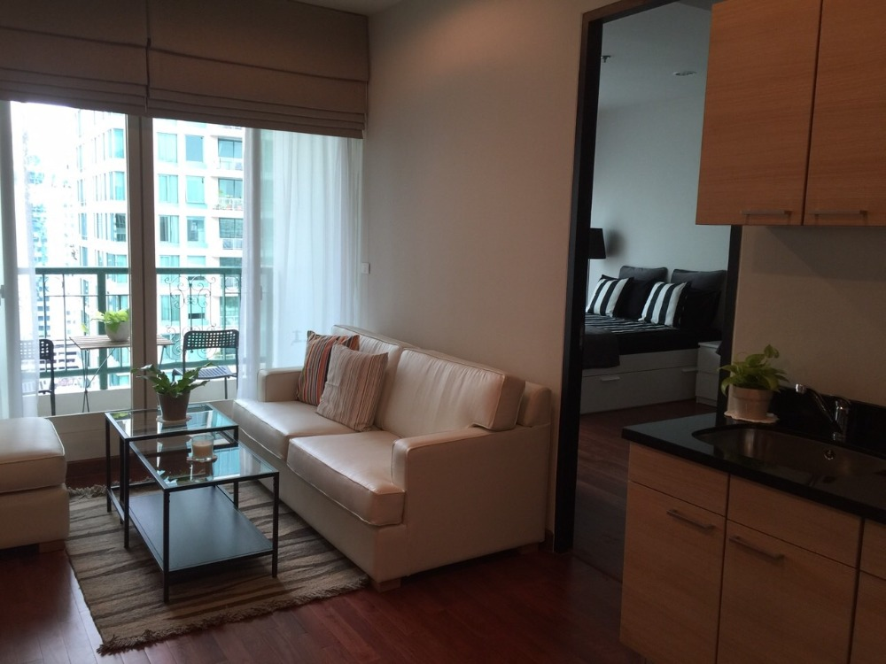 For RentCondoWitthayu,Ploenchit  ,Langsuan : Condo for rent  The Address Chidlom  fully furnished (Confirm again when visit). Size 54 SQM.  1 bed1 bath.