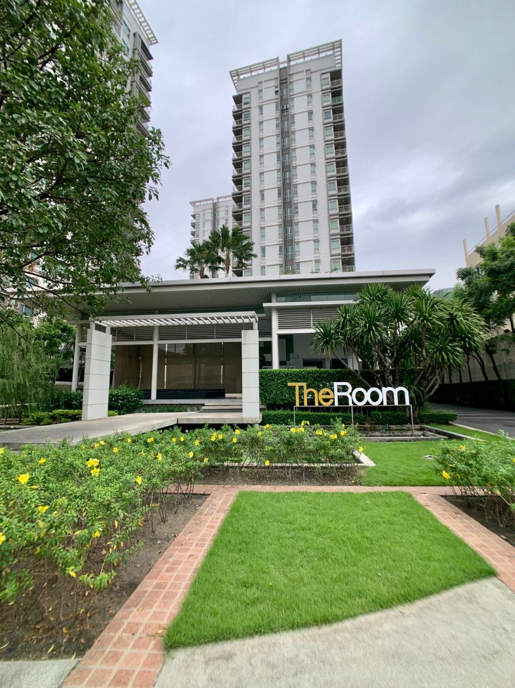 For SaleCondoRatchadapisek, Huaikwang, Suttisan : Urgent sale, loss sale, The room Ratchada Ladprao 2 bedroom condo near MRT Ladprao