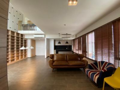 เช่าคอนโดสุขุมวิท อโศก ทองหล่อ : Condo For Rent – Loft Ekkamai  ( CODE : 20-09-0039-66 )
