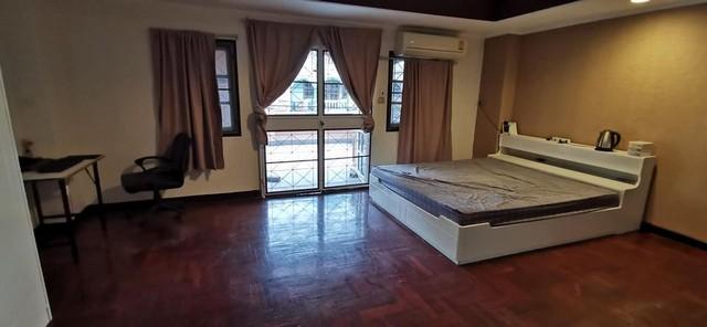 เช่าทาวน์เฮ้าส์/ทาวน์โฮมลาดพร้าว เซ็นทรัลลาดพร้าว : RTJ553ให้เช่าทาวน์โฮมส์ 3 ชั้น 5 ห้องนอน 6ห้องน้ำ หมู่บ้านรุ่งเรือง ลาดพร้าว80 แยก22