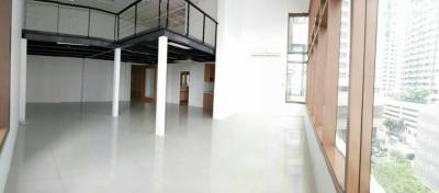 For RentCondoSukhumvit, Asoke, Thonglor : +++ Urgent rent +++ THE EMPORIO PLACE near BTS Phrom Phong ** 1 bedroom 48.4 sq.m. empty room !!