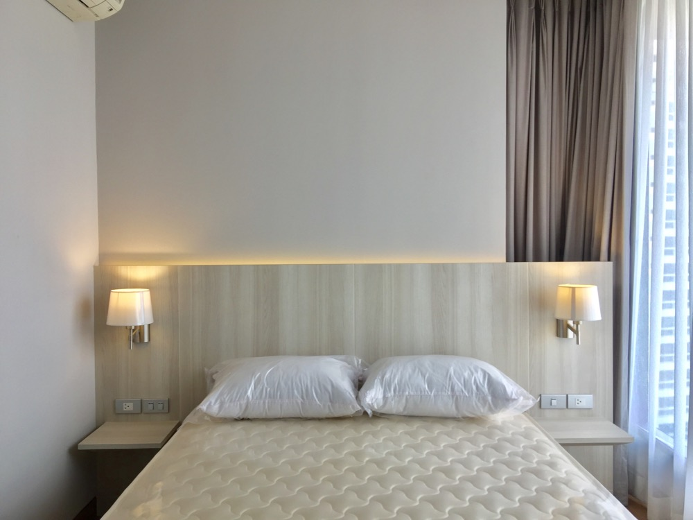 For RentCondoSukhumvit, Asoke, Thonglor : For rent, Lumpini 24, big room, beautiful room, 2 bedrooms, 2 bathrooms, high floor, city view, washing machine, microwave, fully furnished, fully electric, near BTS