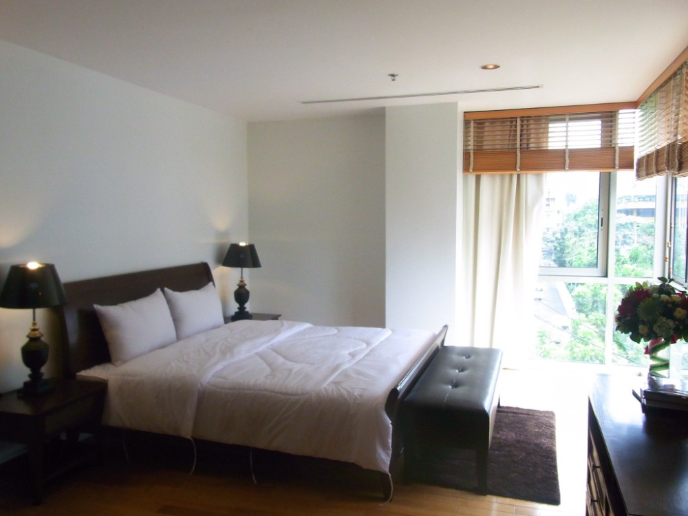 For RentCondoSilom, Saladaeng, Bangrak : For rent now! For Rent The Legend Saladaeng * 3 bedrooms, fully furnished, ready to move in! 85,000 / Month !!!!