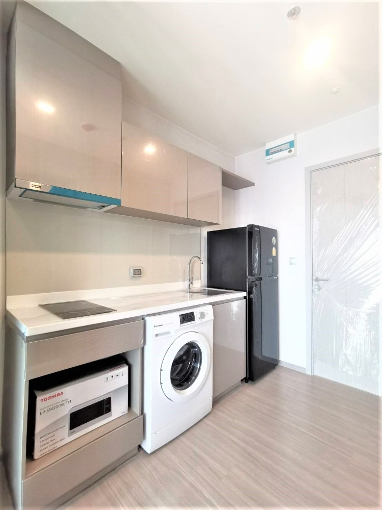 For RentCondoOnnut, Udomsuk : Condo for rent Life Sukhumvit 62 Price 13,000 Baht Size 25 Sqm.Bedroom Studio Floor 16 View City