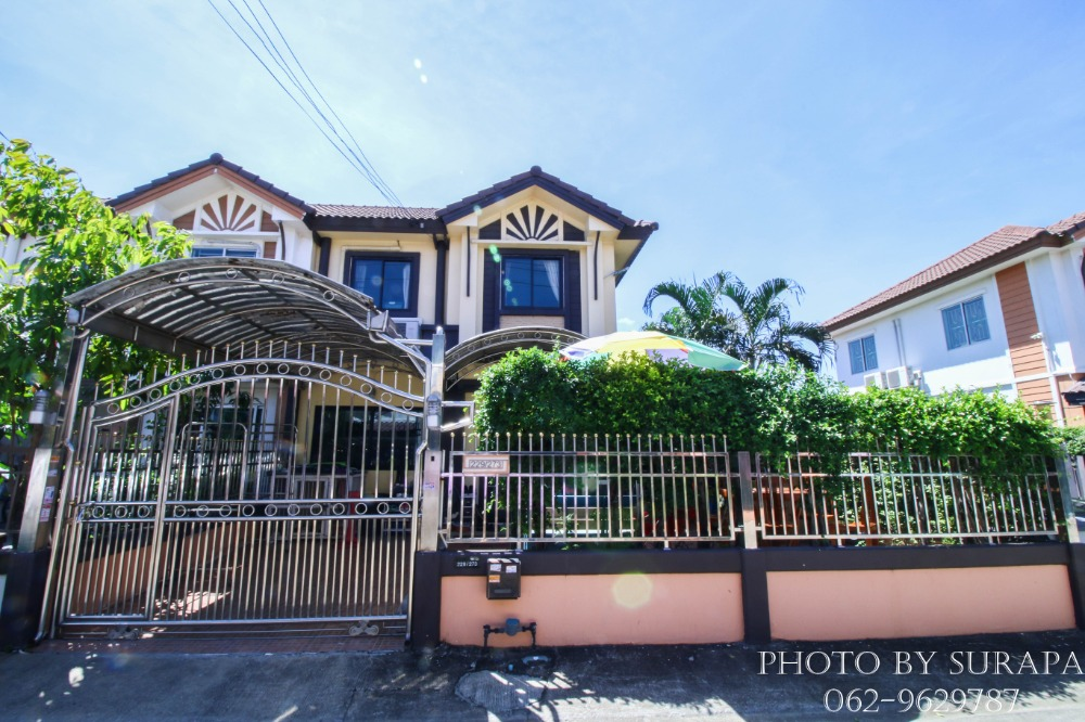 For SaleTownhousePhutthamonthon, Salaya : 2 storey townhouse for sale, Pruksa Ville Village 10, Phutthamonthon Sai 4, Petchkasem Krathum, 19 behind the built-in furniture corner The addition is decorated, 33.3 square meters, in good condition.