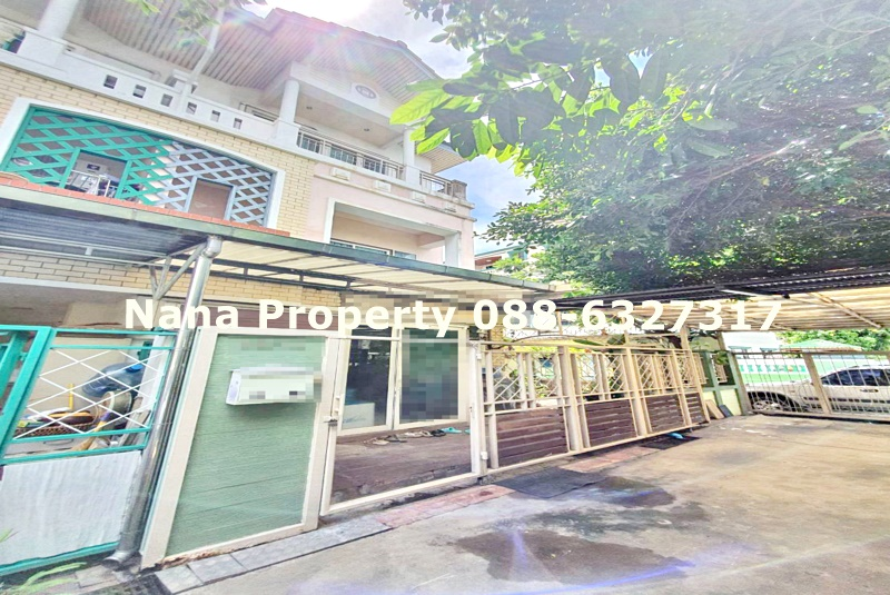 For RentTownhouseRatchadapisek, Huaikwang, Suttisan : 3-storey townhome for rent, Suthisan Road, near the Embassy of Turkey and MRT Sutthisan