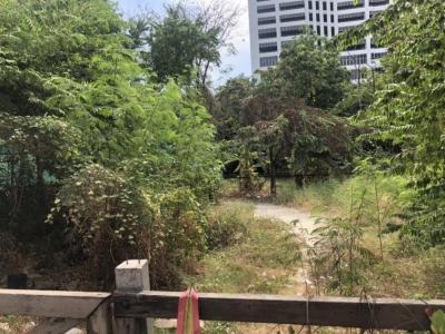 For SaleLandRama9, RCA, Petchaburi : ขายที่ดิน มี 2 โฉนด ขนาด 101 ตารางวา ถ.พระราม 9 ติดถนนใหญ่ ใกล้ทางด่วน เยื้อง Colonze