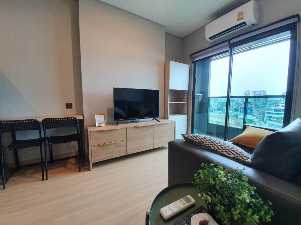 For RentCondoRatchathewi,Phayathai : SN011 Condo for rent, new decoration, beautiful decoration, Lumpini Suite, Din Daeng - Ratchaprarop. ** Room is still available There is a washing machine **