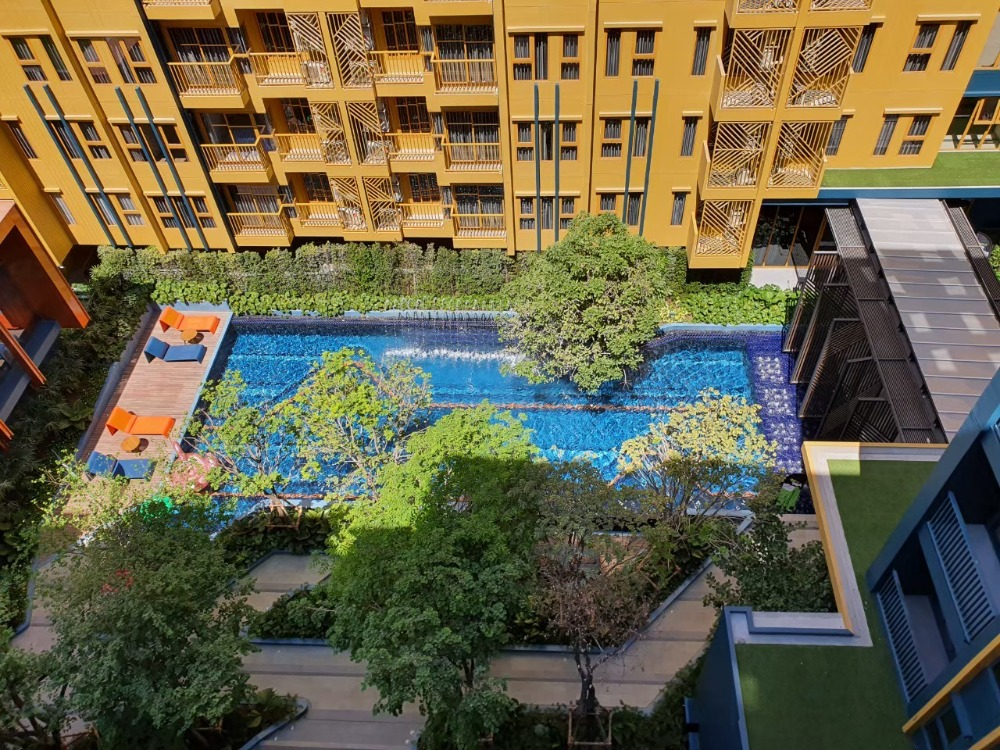For SaleCondoOnnut, Udomsuk : For sale The Base SKV50, pool view, 46 sqm., Pool view, 8th floor.