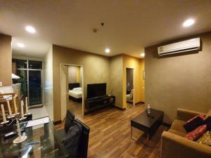 For RentCondoRatchathewi,Phayathai : SN049 Condo for rent, Chewathai Ratchaprarop, Victory Monument, 2 bedrooms, very good price.