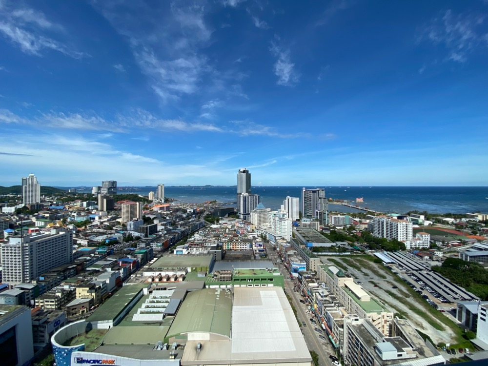 Sale DownCondoChonburi, Pattaya, Bangsa : ** Full Furniture ** Two bedrooms, very high floor, west facing balcony